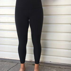 Lululemon high waist 7/8 yoga pant- shine detail
